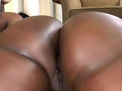 Today we have the sexy Jada Fire and gorgeous Aryana Starr.